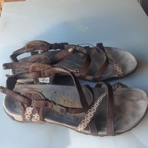 Merrell women's  Terrance lattice 11 sandals